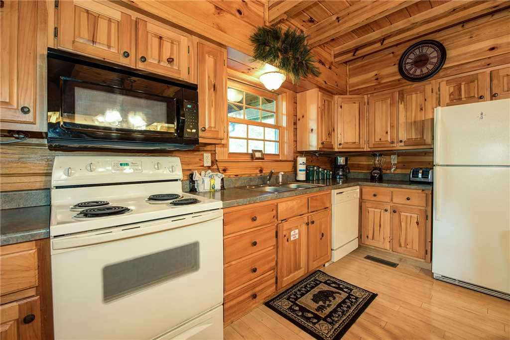 Photo of a Sevierville Cabin named Return To Me - This is the sixth photo in the set.