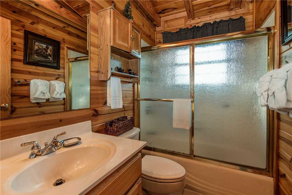 Photo of a Sevierville Cabin named Return To Me - This is the twelfth photo in the set.