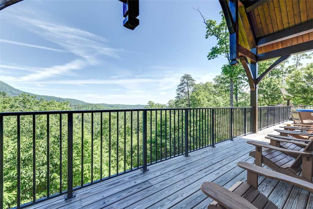 Photo of a Pigeon Forge Cabin named Pool On Summit Point - This is the fourth photo in the set.