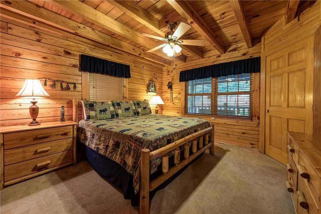 Photo of a Sevierville Cabin named Return To Me - This is the thirteenth photo in the set.