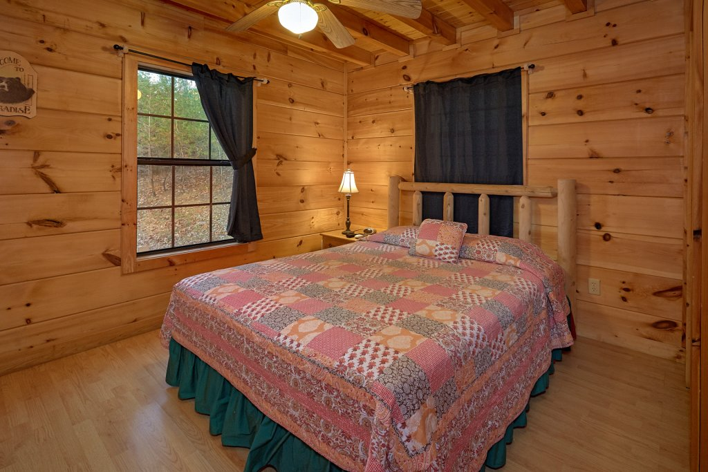Photo of a Pigeon Forge Cabin named Wet Bear Paws #146 - This is the ninth photo in the set.