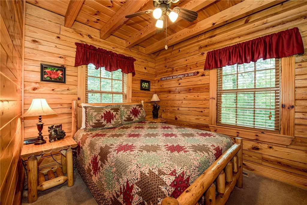 Photo of a Sevierville Cabin named Return To Me - This is the sixteenth photo in the set.