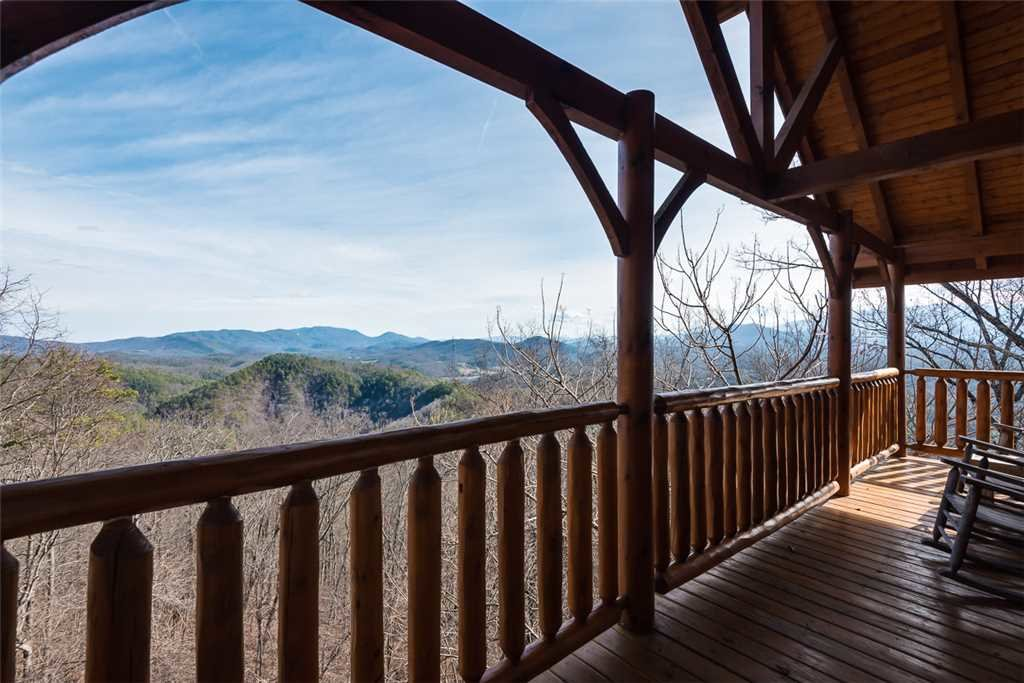 Photo of a Pigeon Forge Cabin named Bearly Believable - This is the nineteenth photo in the set.