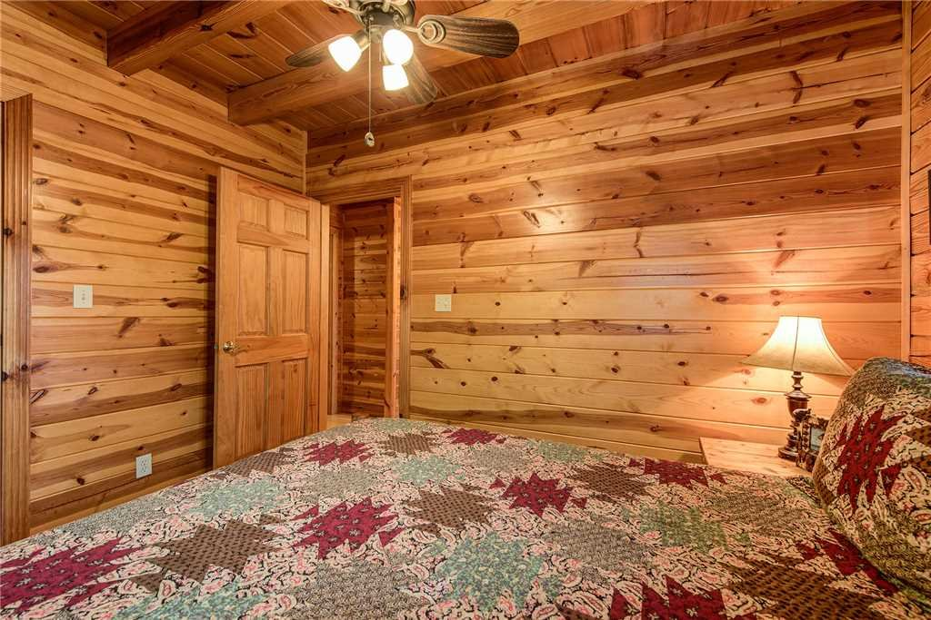 Photo of a Sevierville Cabin named Return To Me - This is the seventeenth photo in the set.