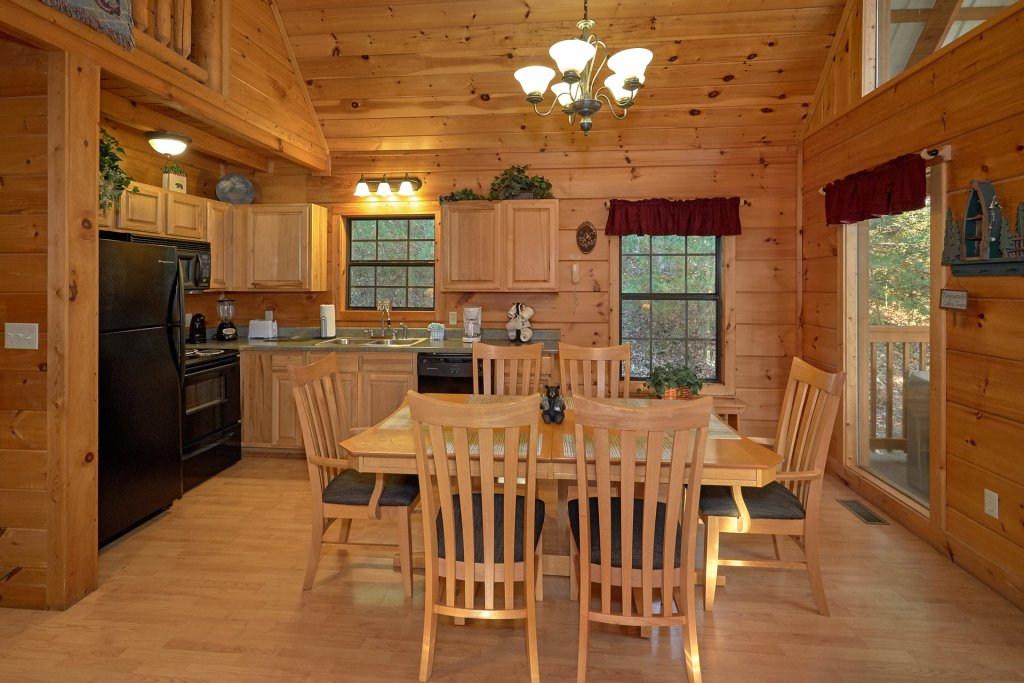Photo of a Pigeon Forge Cabin named Wet Bear Paws #146 - This is the sixth photo in the set.