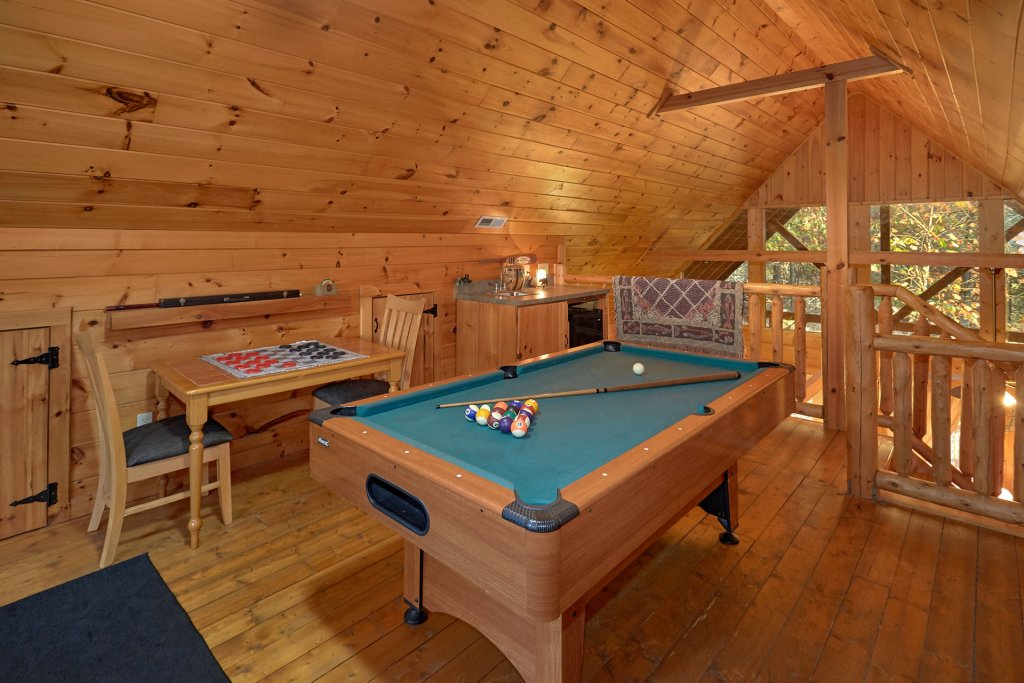 Photo of a Pigeon Forge Cabin named Wet Bear Paws #146 - This is the seventh photo in the set.