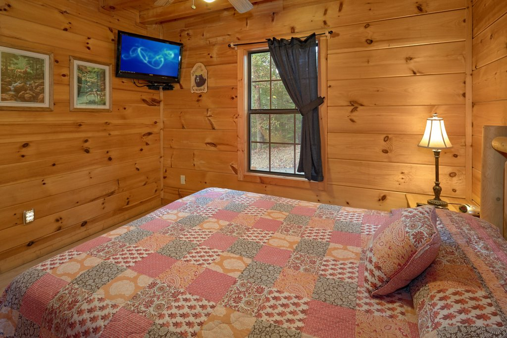 Photo of a Pigeon Forge Cabin named Wet Bear Paws #146 - This is the eighth photo in the set.