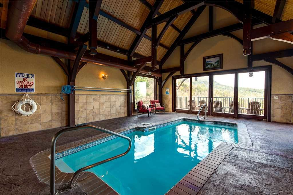 Photo of a Pigeon Forge Cabin named Pool On Summit Point - This is the sixteenth photo in the set.