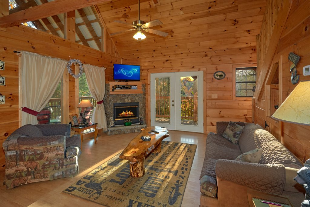 Photo of a Pigeon Forge Cabin named Wet Bear Paws #146 - This is the fourth photo in the set.