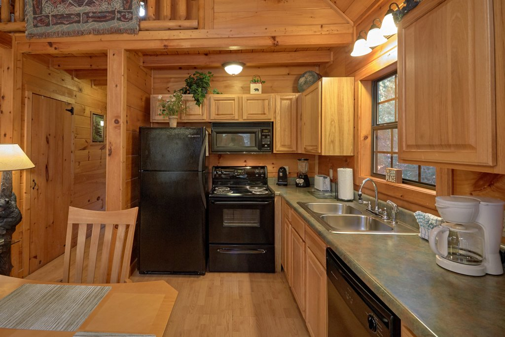 Photo of a Pigeon Forge Cabin named Wet Bear Paws #146 - This is the nineteenth photo in the set.