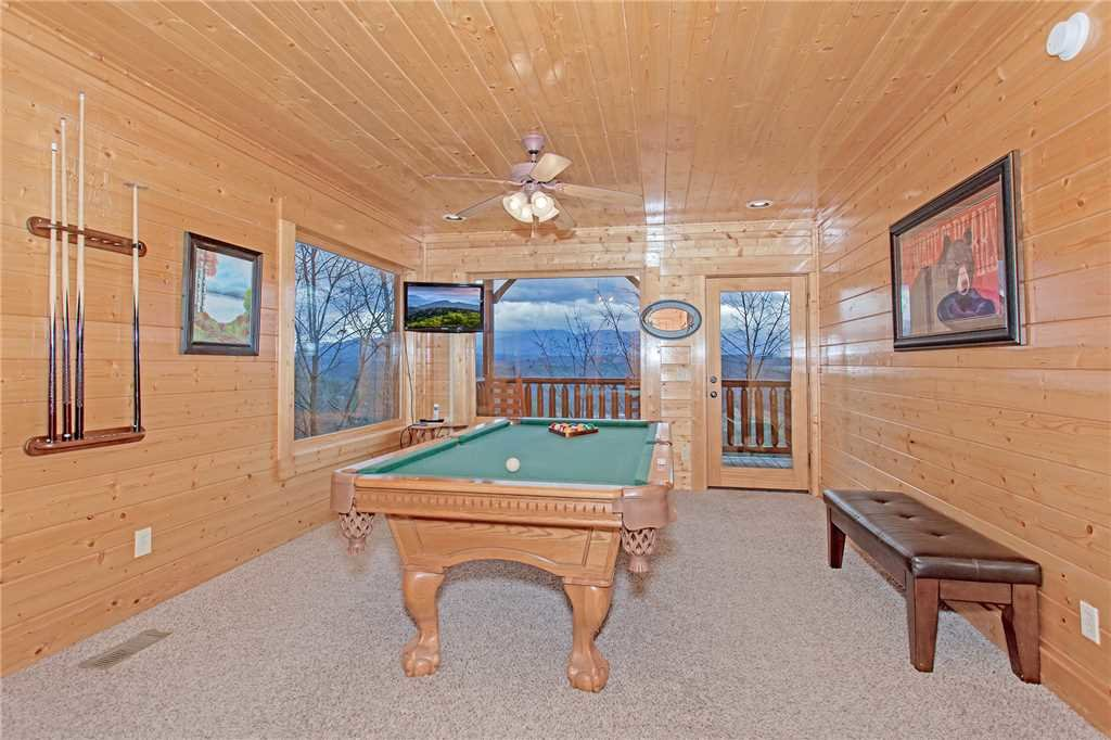Photo of a Pigeon Forge Cabin named Avalon Mist - This is the eighth photo in the set.