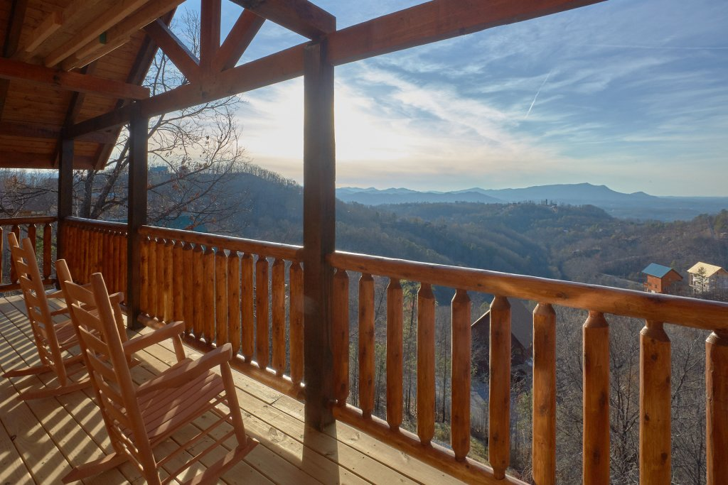 Photo of a Pigeon Forge Cabin named Panoramic Views - This is the fifth photo in the set.