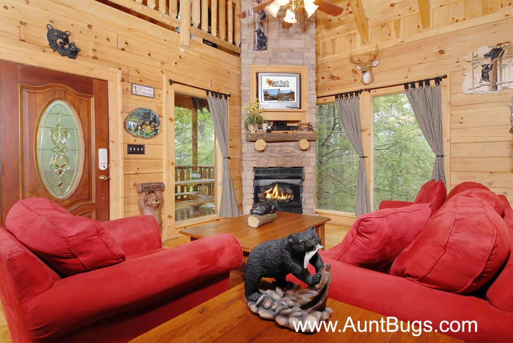 Photo of a Gatlinburg Cabin named Beary Secluded #296 - This is the third photo in the set.