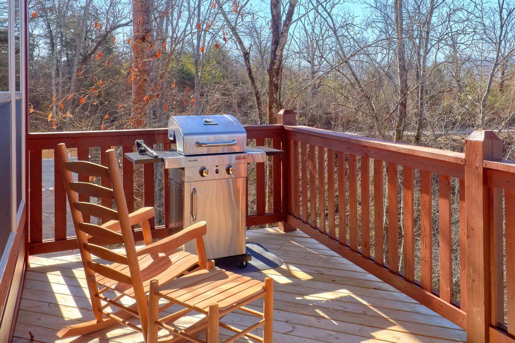 Photo of a Pigeon Forge Cabin named Alpine Pool Lodge - This is the fifth photo in the set.