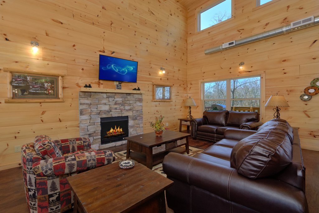 Photo of a Pigeon Forge Cabin named Alpine Pool Lodge - This is the tenth photo in the set.