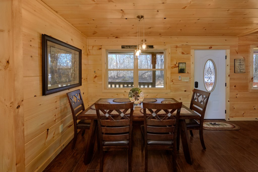 Photo of a Pigeon Forge Cabin named Alpine Pool Lodge - This is the sixteenth photo in the set.