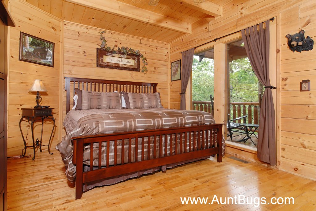 Photo of a Gatlinburg Cabin named Beary Secluded #296 - This is the thirty-third photo in the set.