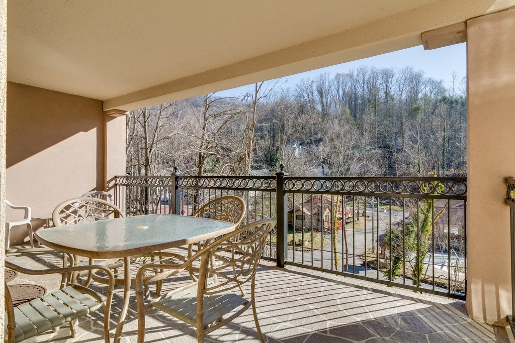 Photo of a Gatlinburg Condo named Riverside Escape - This is the eighth photo in the set.