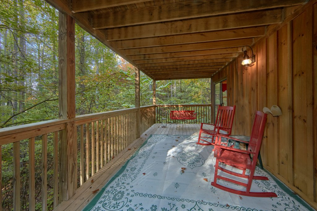 Photo of a Pigeon Forge Cabin named Rooster Ridge Cabin #231 - This is the nineteenth photo in the set.