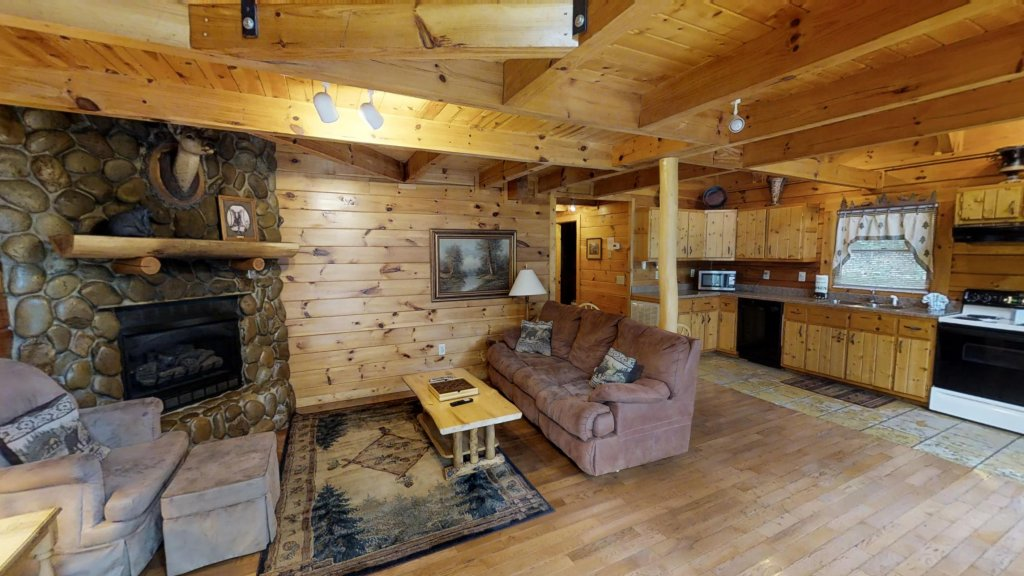 Photo of a Gatlinburg Cabin named Highlander #224 - This is the third photo in the set.