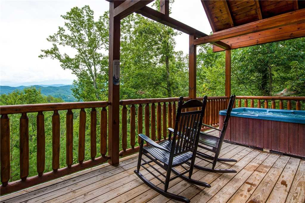 Photo of a Pigeon Forge Cabin named Secluded Romance - This is the third photo in the set.