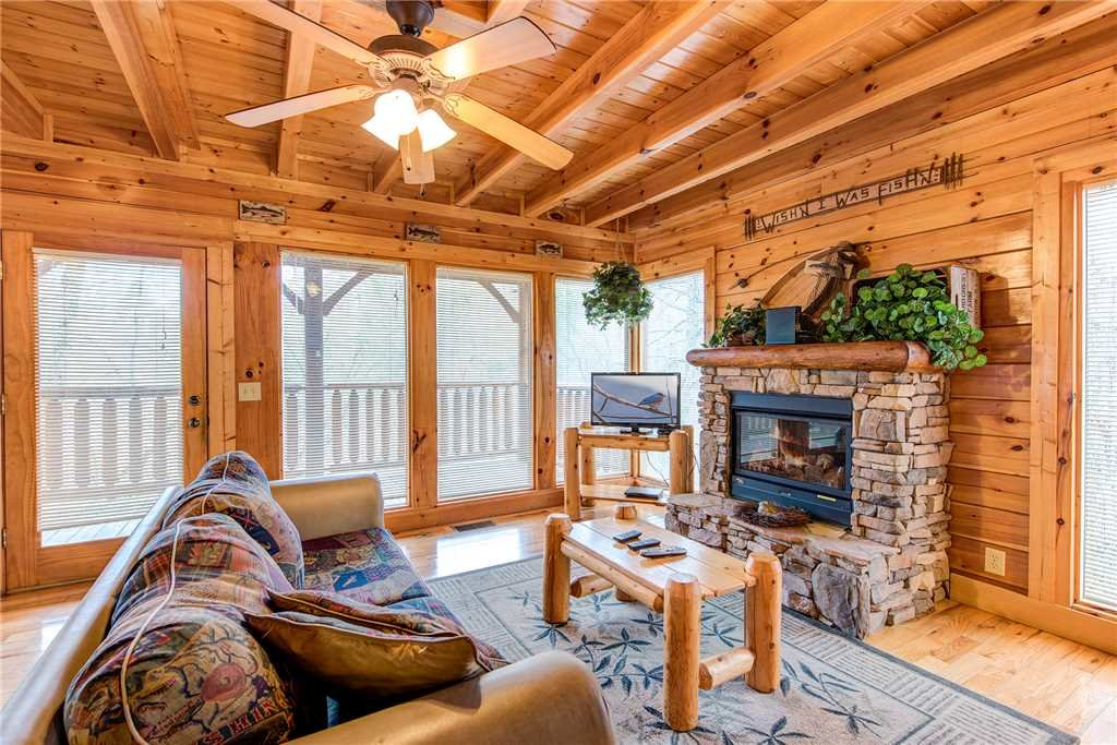 Photo of a Gatlinburg Cabin named Secret Romance - This is the first photo in the set.
