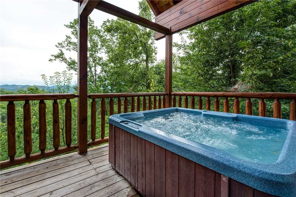 Photo of a Pigeon Forge Cabin named Secluded Romance - This is the second photo in the set.