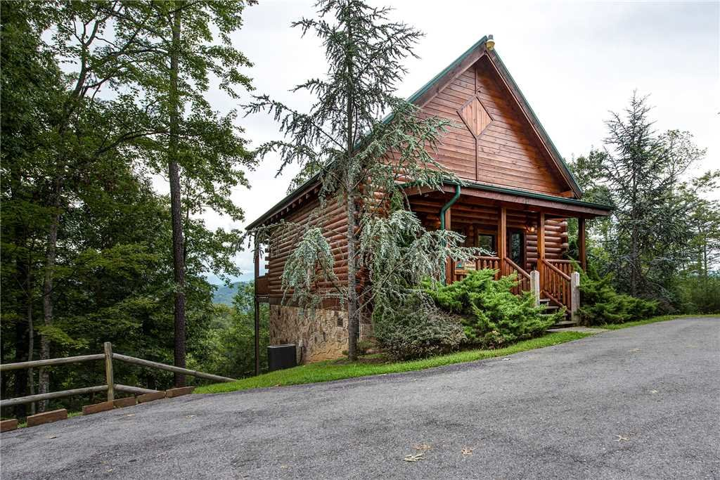 Photo of a Pigeon Forge Cabin named Secluded Romance - This is the sixteenth photo in the set.