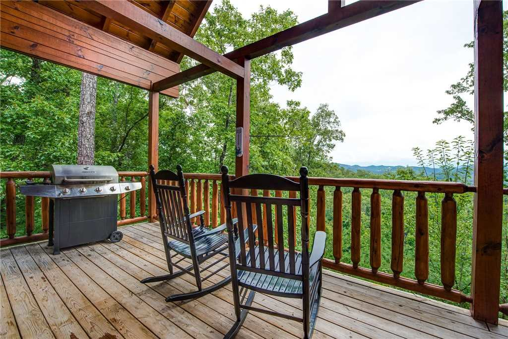 Photo of a Pigeon Forge Cabin named Secluded Romance - This is the seventeenth photo in the set.
