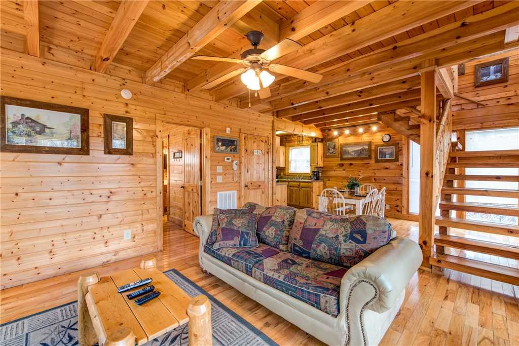 Photo of a Gatlinburg Cabin named Secret Romance - This is the third photo in the set.