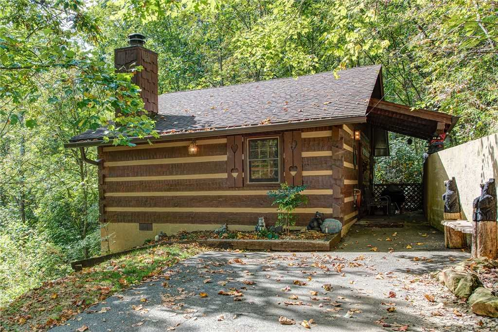 Photo of a Gatlinburg Cabin named Rustic Charm - This is the sixteenth photo in the set.