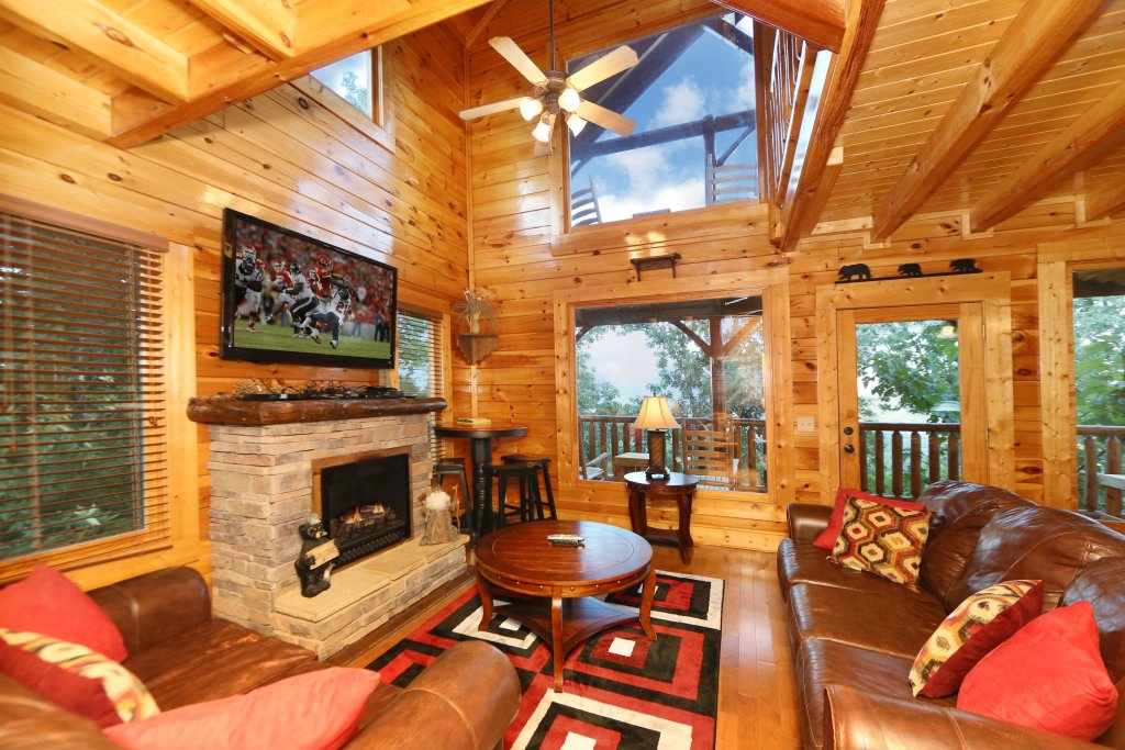 Photo of a Pigeon Forge Cabin named Summer Breeze - This is the eighth photo in the set.