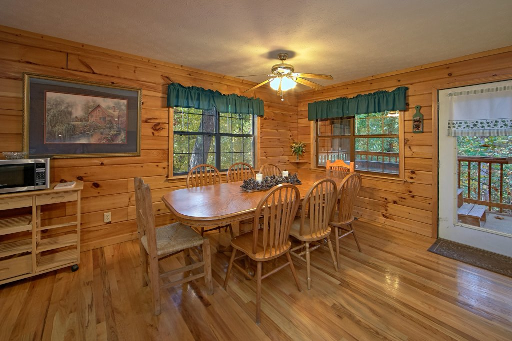 Photo of a Pigeon Forge Cabin named Sweet Mountain Laurel #403 - This is the ninth photo in the set.