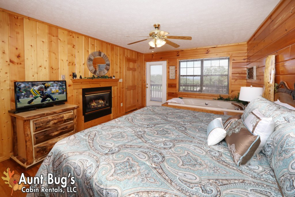 Photo of a Pigeon Forge Cabin named Sun-sational View #245 - This is the sixteenth photo in the set.
