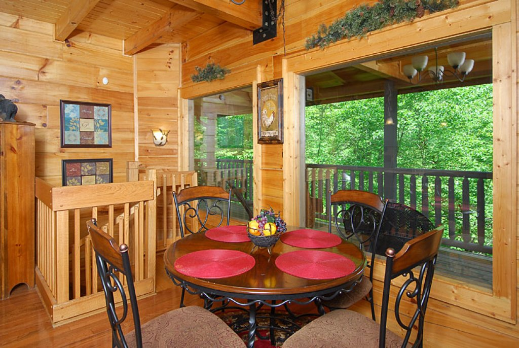 Photo of a Pigeon Forge Cabin named Cedar Forest - This is the seventeenth photo in the set.