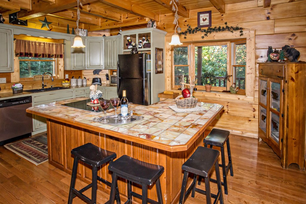 Photo of a Pigeon Forge Cabin named Cedar Forest - This is the tenth photo in the set.