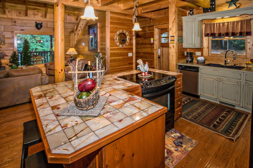 Photo of a Pigeon Forge Cabin named Cedar Forest - This is the thirteenth photo in the set.