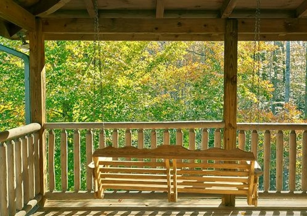 Photo of a Pigeon Forge Cabin named Cedar Forest - This is the twenty-eighth photo in the set.