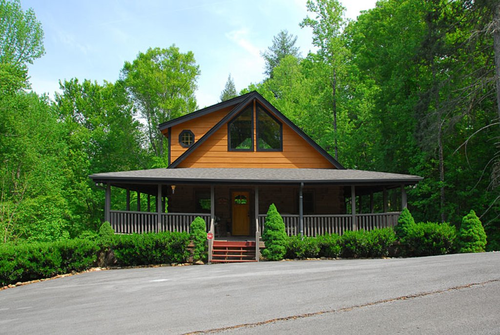 Photo of a Pigeon Forge Cabin named Cedar Forest - This is the fourth photo in the set.