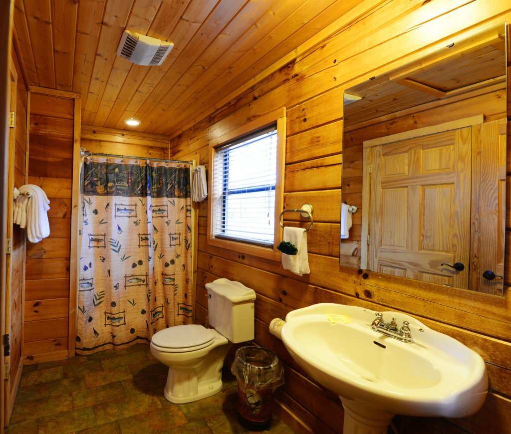 Photo of a Gatlinburg Cabin named Bear Haven - 297 - This is the sixteenth photo in the set.