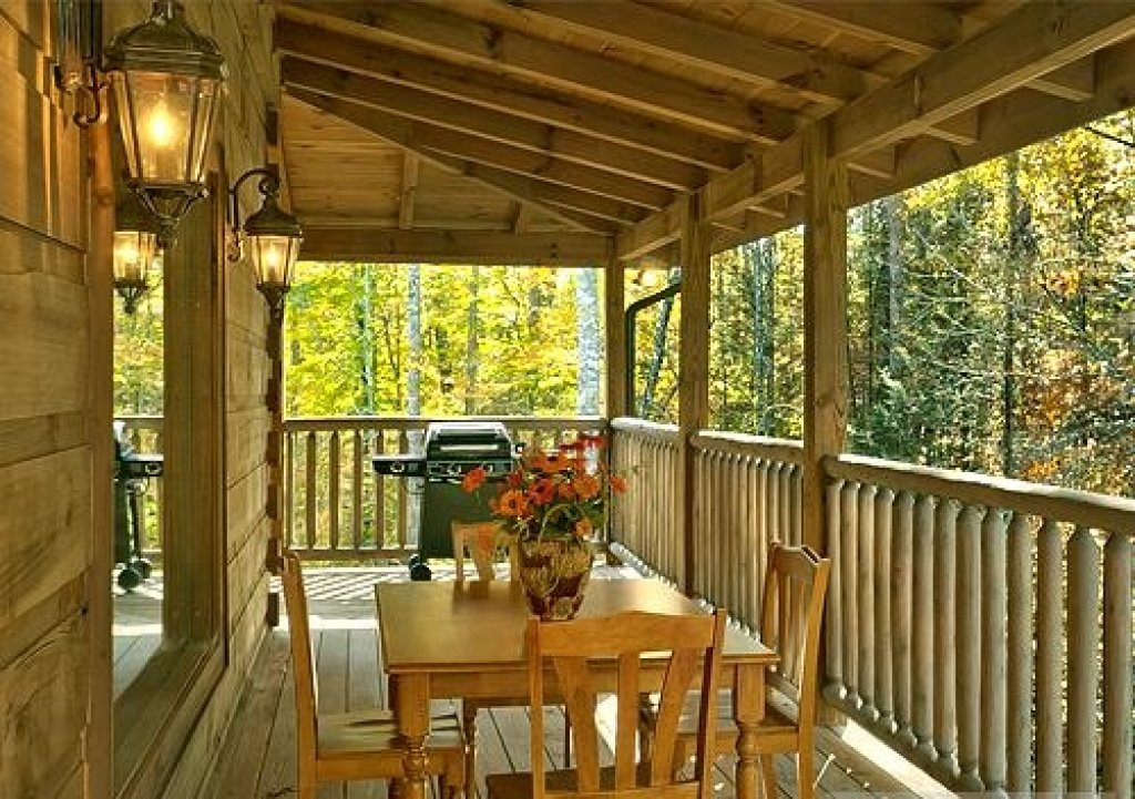 Photo of a Pigeon Forge Cabin named Cedar Forest - This is the forty-third photo in the set.