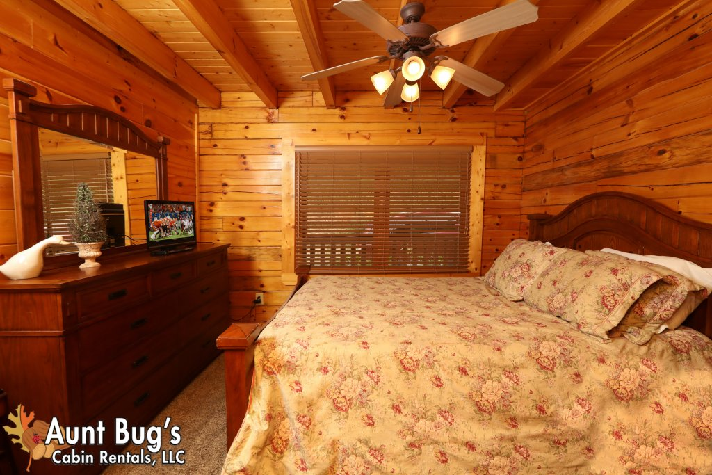 Photo of a Pigeon Forge Cabin named Dream Come True #555 - This is the fifteenth photo in the set.