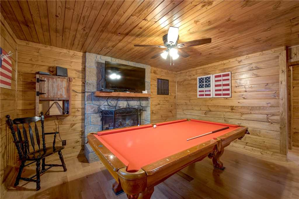 Photo of a Gatlinburg Cabin named Rocky Top Lodge - This is the fifth photo in the set.