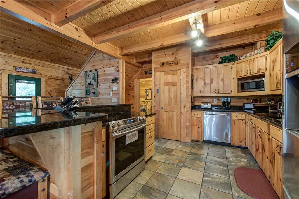 Photo of a Gatlinburg Cabin named Mountain Dreams - This is the eighth photo in the set.
