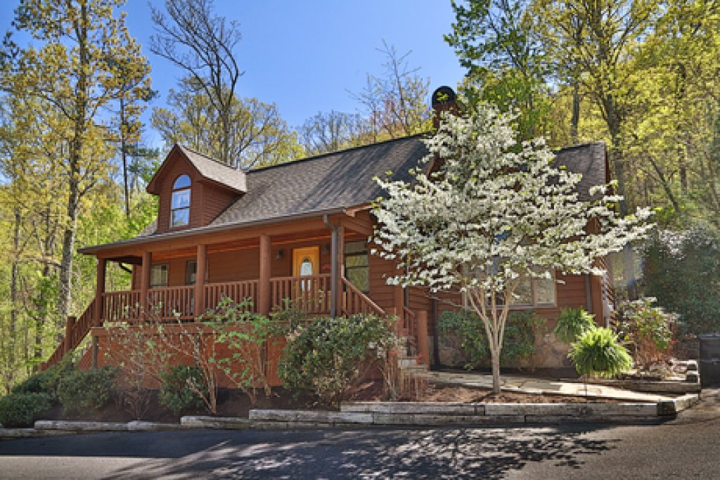 Photo of a Pigeon Forge Cabin named Parkside Haven - This is the first photo in the set.