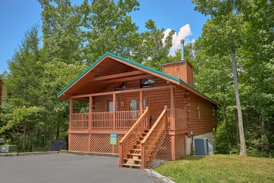 Two Bedroom Log Cabin Home Two Miles To Downtown Gatlinburg W/ Master Suites