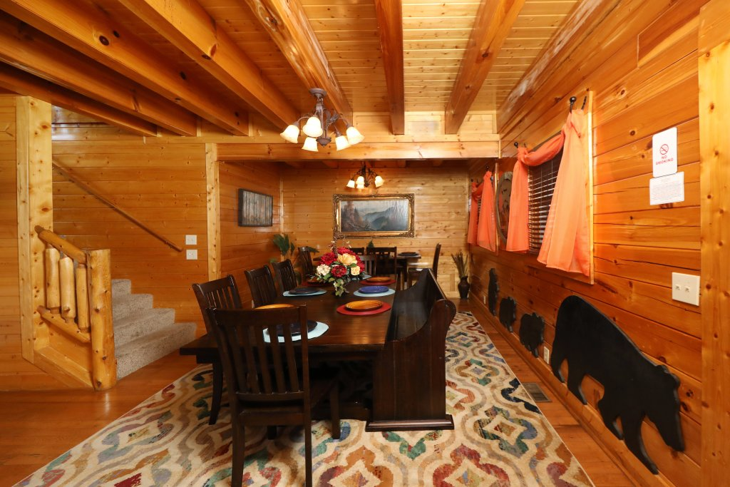 Photo of a Pigeon Forge Cabin named Ridgetop Theatre Lodge - This is the forty-second photo in the set.