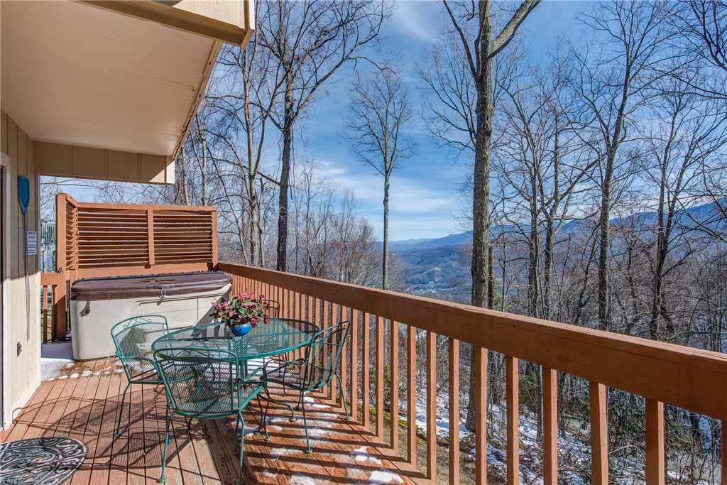 Photo of a Gatlinburg Cabin named God's View - This is the fifteenth photo in the set.