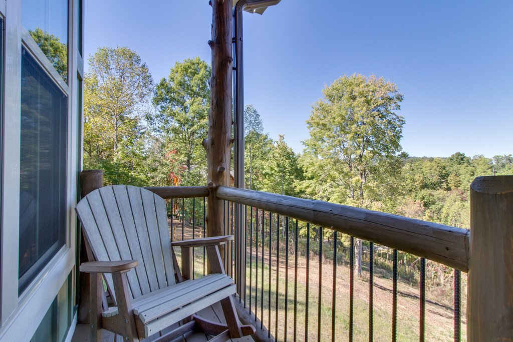Photo of a Gatlinburg Cabin named Serenity Sanctuary - This is the fifth photo in the set.