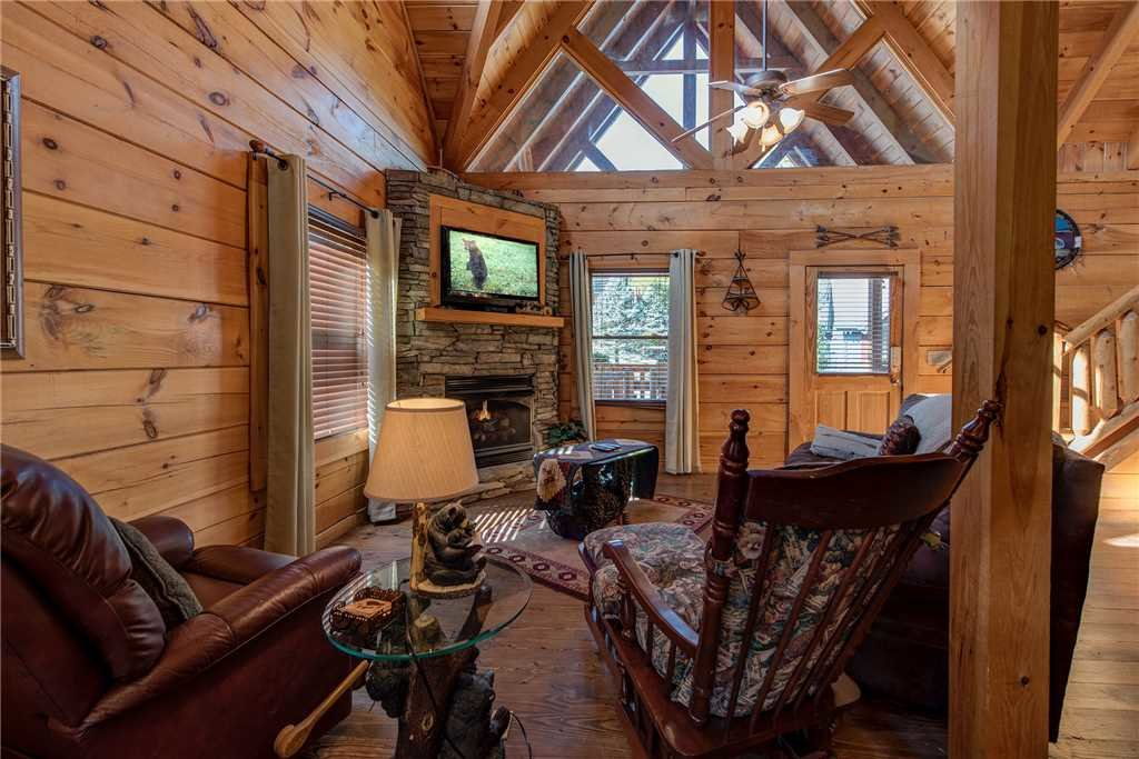Photo of a Pigeon Forge Cabin named Soaring Arrow - This is the fourth photo in the set.